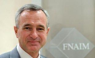 Le président de la FNAIM, Jean-François Buet, dans son bureau à Paris, le 30 octobre 2012