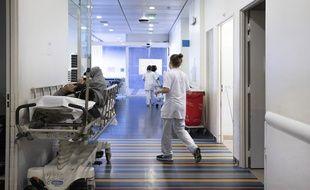Dans les couloirs d'un hôpital. Illustration