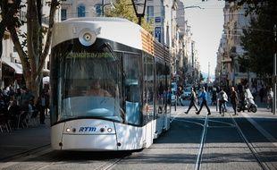 Le tramway dans le quartier de Belsunce à Marseille.