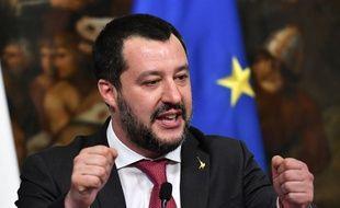 """Matteo Salvini s'est dit """"prêt à partir à Paris"""" pour ramener en Italie les """"terroristes"""" en cavale à l'étranger."""