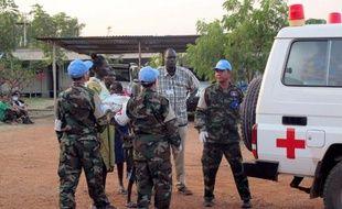 Des combats auraient fait entre 400 et 500 morts à Juba où près de 15.000 habitants de la capitale sud-soudanaise ont trouvé refuge auprès de l'ONU, qui redoute des violences ethniques au lendemain de l'annonce d'un coup d'Etat manqué.