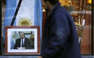 Un portrait de l'ancien président argentin Nestor Kirchner, décédé le 27 octobre 2010.