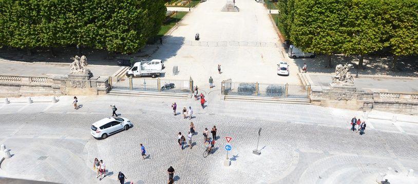 L'avant-place royale du Peyrou vue du sommet de l'Arc de Triomphe.