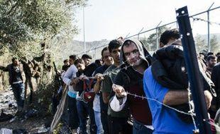 Des migrants à Moria, le principal camp grec sur l'île de Lesbos, le 19 octobre 2015