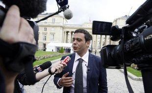 """Le député Razzy Hammadi, de la gauche du PS, a jugé jeudi """"inacceptable"""" de prétendre que le ministre de l'Intérieur Manuel Valls est de droite."""