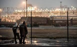 Des migrants au port de Calais le 29 octobre 2014