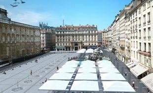 Le projet de réaménagement de la place des Terreaux prévoit d'aligner 15 petites fontaines entre l'Hôtel de Ville et la galerie des Terreaux et des revaloriser les terrasses qui s'y trouvent.