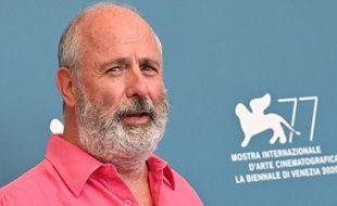 Le réalisateur Roger Michell à la Mostra de Venise (Italie), en 2020.