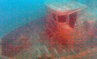 L'épave du Toulonnais immergée à Monaco, le 13 avril 2014.