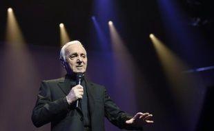 Charles Aznavour sur la scène du Palais des sports le 15 septembre 2015 à Paris