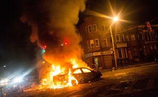 Les émeutes ont embrasé Baltimore, le 27 avril 2015, après l'enterrement d'un jeune Noir décédé lors de sa détention par la police, le 19 avril.