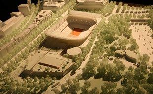 Où faut-il aménager l'extension du stade Roland-Garros? E rognant sur les jardins des serres d'Auteuil comme le souhaite la FFT ou en couvrant une partie de l'A13 comme le préconisent des associations de défense de l'environnement.