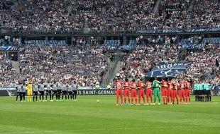 La minute de silence samedi 27 mai 2017 au stade de France.