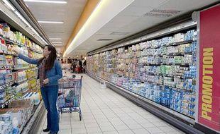 Dans les rayons d'un supermarché à Vaucresson en octobre 2011.
