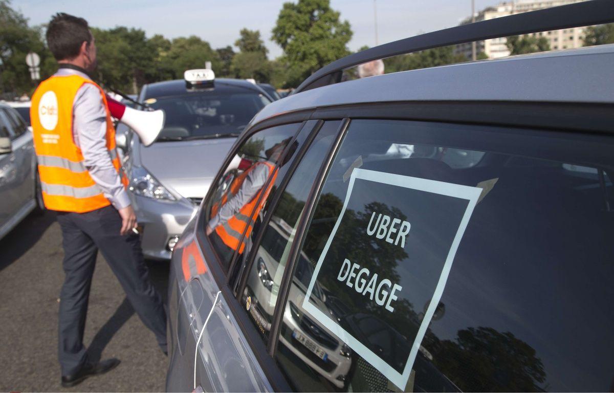 La manifestation des taxis à Paris, le 25 juin 2015. – Michel Euler/AP/SIPA