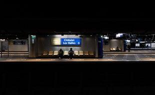 La station de RER Châtelet Les Halles durant le couvre-feu.
