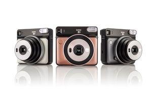 L'Instax SQ6 de Fujifilm, décliné en trois coloris.