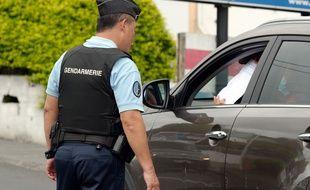 Un contrôle de gendarmerie pendant le confinement, ici à La Réunion (illustration).