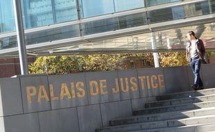 Grenoble, le 2 novembre 2015 Illustration du Palais de justice / cour d'assises de Grenoble