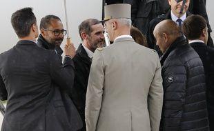 Les deux ex-otages français  Laurent Lassimouillas et Patrick Picque à leur arrivée à la base aérienne de Villacoublay (Yvelines) le 11 mai 2019.
