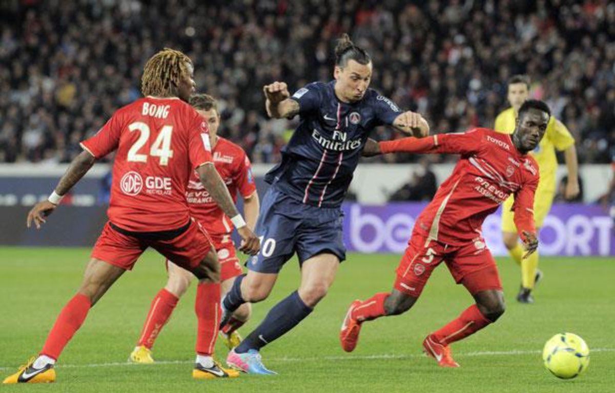 L'attaquant du PSG Zlatan Ibrahimovic lors du match contre Valenciennes le dimanche 5 mai 2013. – FRANCOIS LO PRESTI / AFP