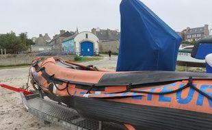 Le canot pneumatique des sauveteurs en mer de Molène a été lardé de coups de cutter.