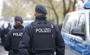 La police a dû intervenir lors d'une énorme bagarre entre supporteurs de foot à Münster, en Allemagne. Illustration.