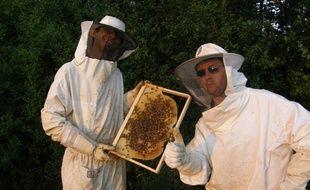 Olivier Fernandez, à gauche, président du syndicat des apiculteurs Midi-Pyrénées, et candidat au poste de ministre de l'Agriculture.