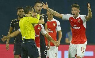 Olivier Giroud a été expulsé lors du match Dinamo Zagreb-Arsenal (2-1), lors de la première journée de Ligue des champions, le 16 septembre 2015.