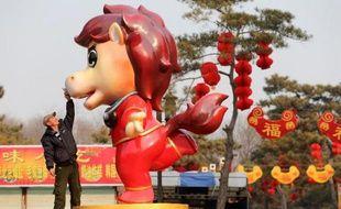 Des conflits, des catastrophes naturelles, une crise en Asie et de nouveaux ennuis pour Justin Bieber: les maîtres feng shui de Hong Kong ne prennent pas vraiment de risques en égrenant leurs prédictions pour l'année du cheval, mais elle sera, selon eux, particulièrement tumultueuse.