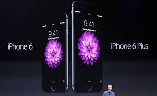 Tim Cook présente l'iPhone 6 et l'iPhone 6 Plus le 9 septembre 2014.