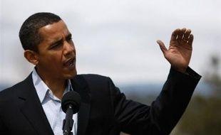 """Barack Obama a pris samedi la tête dans la dernière catégorie de la course à l'investiture démocrate pour laquelle il restait encore en retrait sur Hillary Clinton, en gagnant le soutien de trois cadres du parti (""""superdélégués"""") supplémentaires."""