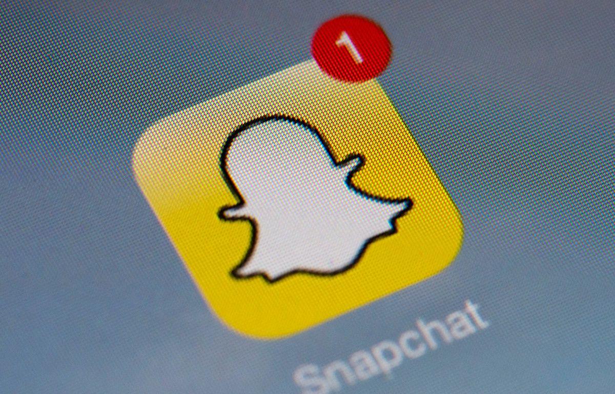 Icône de Snapchat sur un smartphone. – LIONEL BONAVENTURE / AFP
