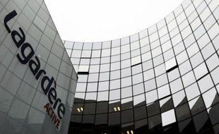 Le groupe de médias Lagardère a enclenché lundi la mise en vente attendue de la totalité de sa participation dans le groupe européen d'aéronautique et de défense EADS, soit 7,35 % du capital, par le biais d'un placement privé auprès d'investisseurs qualifiés.