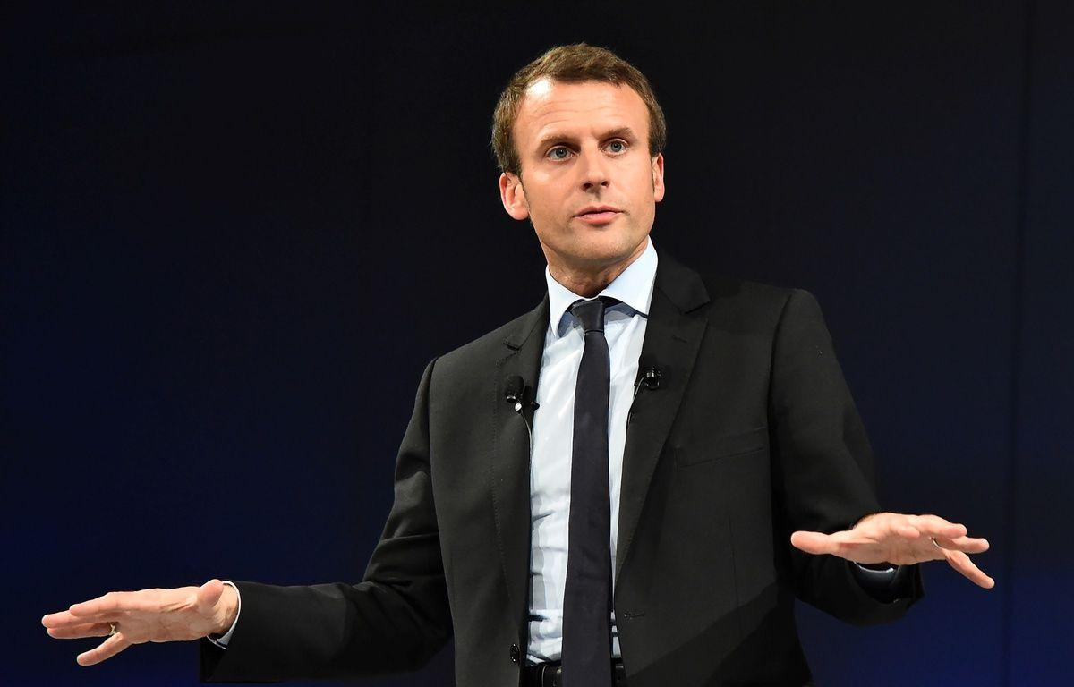 Emmanuel Macron en meeting au Mans, le 11 octobre 2016. –   JEAN-FRANCOIS MONIER / AFP