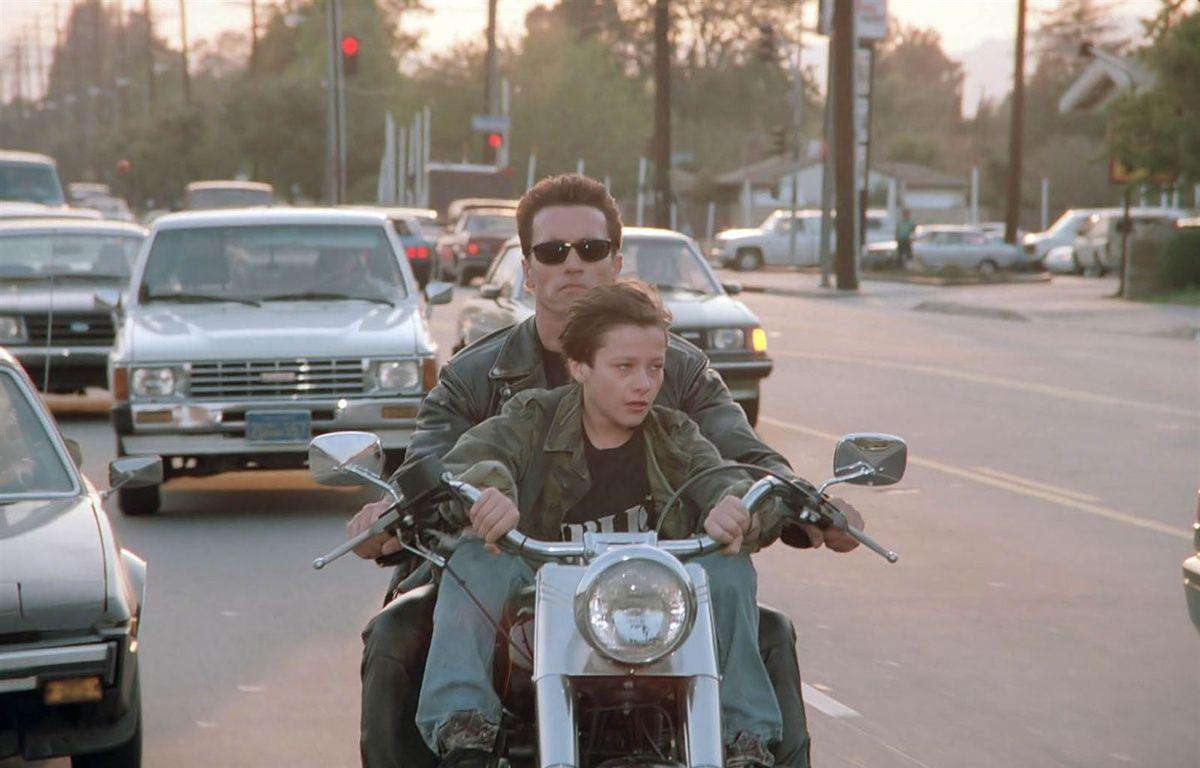 Arnold Schwarzenegger  et Edward Furlong dans Terminator 2: le jugement dernier 3D de James Cameron – Studio Canal