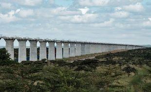 Les piliers appelés à soutenir la future voie ferrée sont déjà construits à Nairobi.