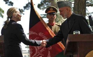 """Washington a désigné l'Afghanistan comme un """"allié majeur non-membre de l'Otan"""", accordant des privilèges spéciaux à ce pays que la plupart des forces de la coalition menée par les Etats-Unis quitteront à la fin 2014, a annoncé samedi la secrétaire d'Etat Hillary Clinton."""