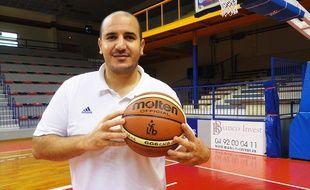 L'entraîneur du Cavigal de Nice, Rachid Meziane.