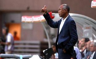 Le coach Antoine Kombouaré réalise d'excellents débuts avec l'En Avant de Guingamp.