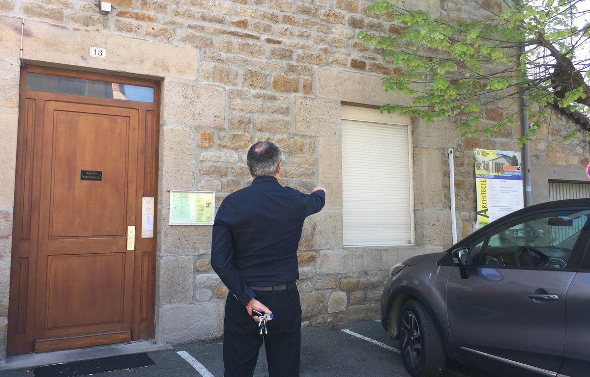 La Talaudière (Loire), en avril 2017. Jean-François, l'une des victimes présumées du père Peyrard retourne pour la première fois aux abords de la paroisse où il confie avoir été abusé dans les années 80.  – E. Frisullo / 20 Minutes