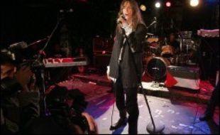R.E.M, Patti Smith et Van Halen vont être intronisés au Rock and Roll Hall of Fame, qui pour la première fois cette année distinguera des artistes de hip-hop, Grandmaster Flash et les Furious Five, a annoncé l'organisation lundi.