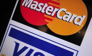 Les groupements de cartes bancaires Mastercard et Visa ont averti vendredi qu'ils enquêtaient sur une possible attaque informatique au sein d'une société aux Etats-Unis qui pourrait avoir exposé les données bancaires de certains détenteurs de cartes.