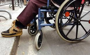 Illustration: une personne handicapée sur un fauteuil roulant.