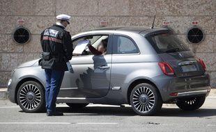 Un contrôle de police de la Sûreté publique de Monaco, en plein épidémie de coronavirus