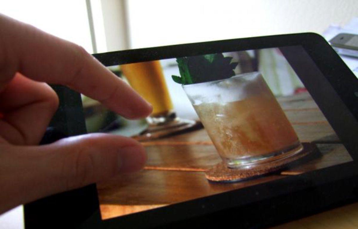 La fonction de zoom à deux doigts sur écran tactile, baptisée «pinch to zoom» en anglais. – 20MINUTES