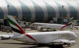 Illustration d'avions de la compagnie aérienne Emirates, à l'aéroport de Dubaï.
