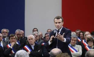 Emmanuel Macron lors de l'acte 2 du grand débat national