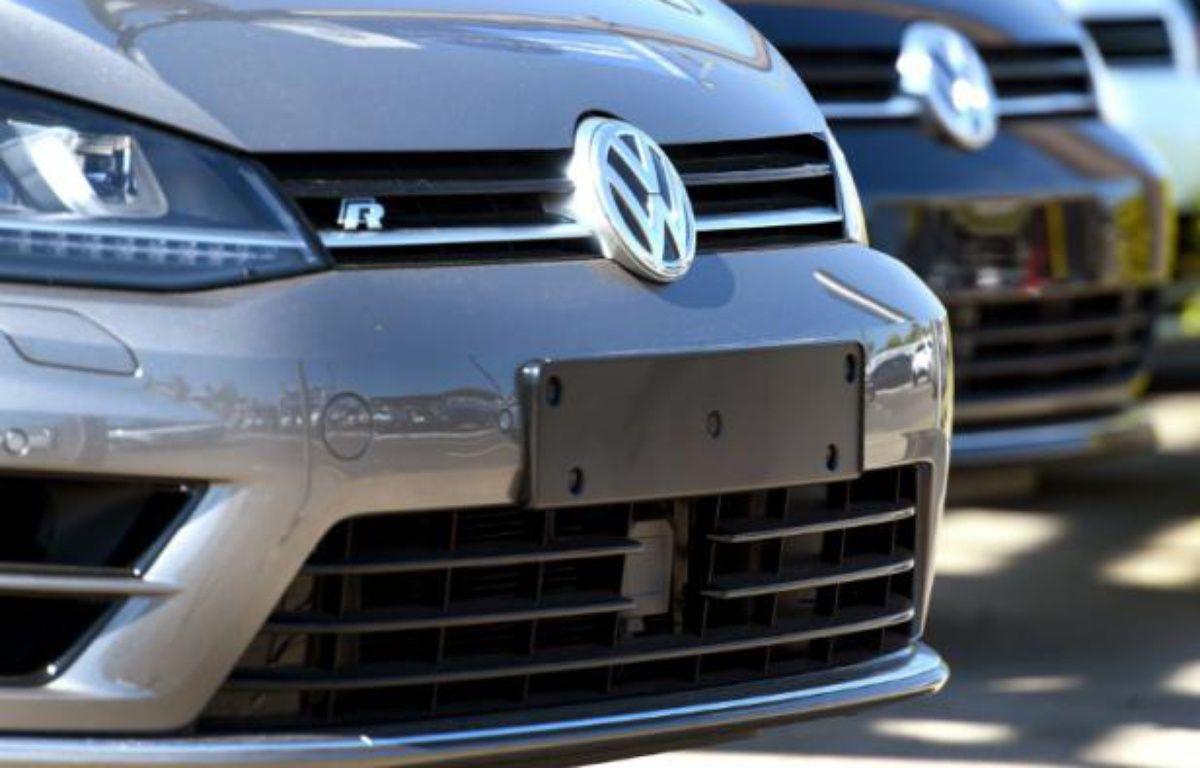 Des voitures neuves Volkswagen sur le parking d'un concessionnaire à Sydney, le 3 octobre 2015 en Australie – WILLIAM WEST AFP
