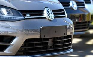Des voitures neuves Volkswagen sur le parking d'un concessionnaire à Sydney, le 3 octobre 2015 en Australie